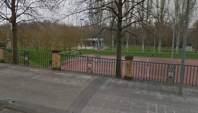 Quiosco en el que se abrirán los baños en el parque de la Biurdana.