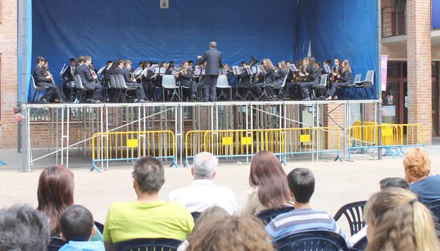La Banda joven de la Escuela de Música Luis Morondo protagoniza el tradicional concierto de fiestas