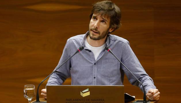 Mikel Buil, en el Parlamento de Navarra.