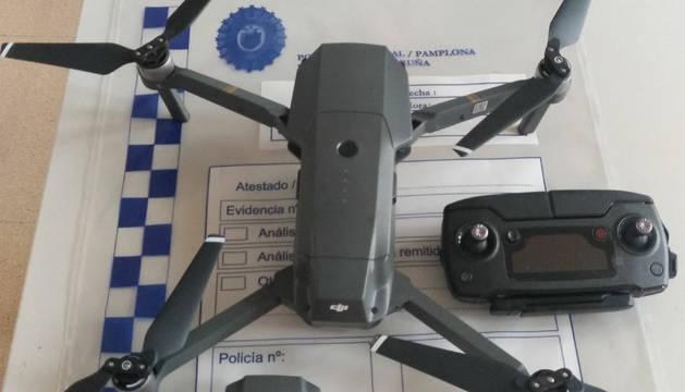 Imagen del dron requisado por la Policía Municipal de Pamplona.
