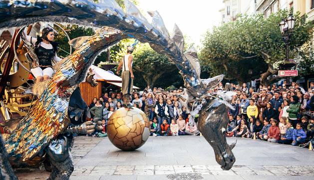 Los 'dragosaurios' bajan el telón de 'Menudas fiestas' este jueves día 13