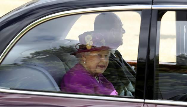 La monarca británica y su esposo, el duque de Edimburgo, recibieron a don Felipe y a doña Letizia.