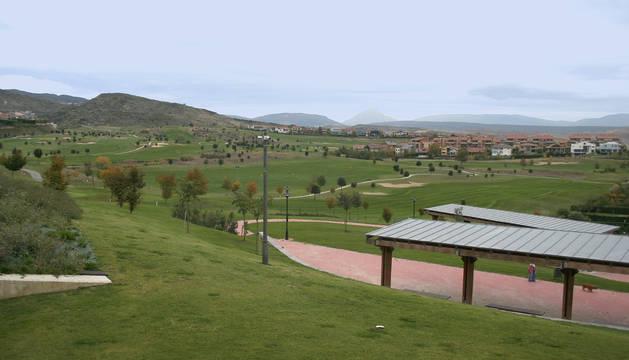 Vista del campo de golf del Castillo de Gorráiz.