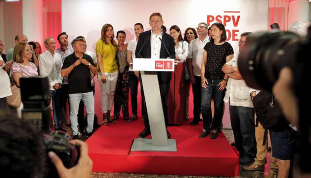 Foto del presidente de la Comunitat Valenciana, Ximo Puig, tras ser reelegido secretario general del PSPV-PSOE en las primarias que los socialistas valencianos han celebrado este domingo.