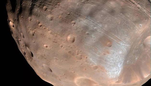 Imagen del telescopio Hubble de la luna Phobos.