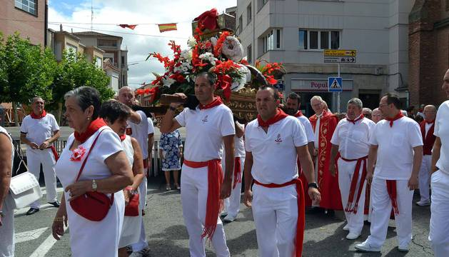 San Adrián rememoró ayer la tradición de las Santas Reliquias, una historia surgida en el medievo y que ha dado origen al desarrollo del municipio y de sus fiestas.
