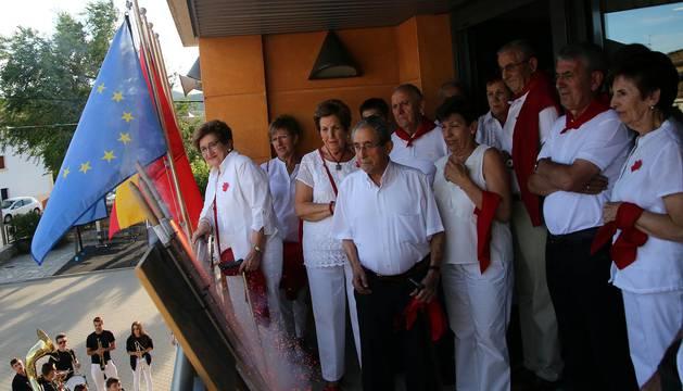 Imágenes del chupinazo de las fiestas en Liédena