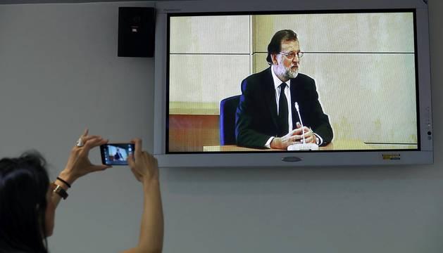 El presidente del Gobierno declara como testido en el caso Gürtel