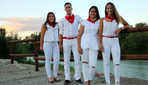 De izda. a decha.: Silvia Sancho, Óscar Cerdán (Míster 2017), Paula Antón (Reina 2017) y Julia Escalada.
