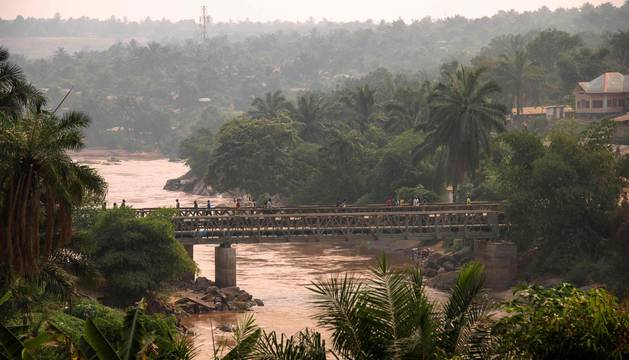 Puente sobre el río Kasai, en la región del Gran Kasai