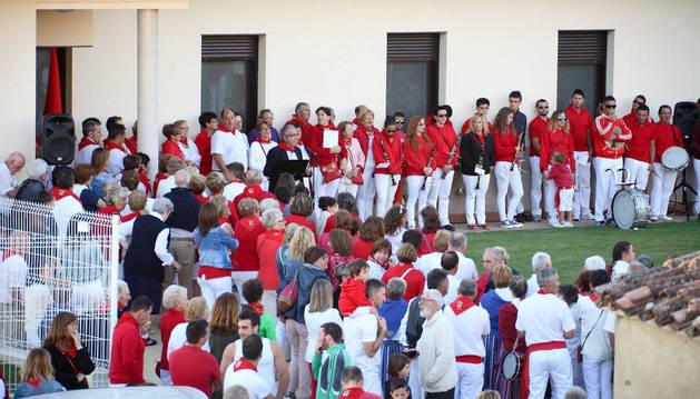 Imagen de un momento de la inauguración del centro de día de Larraga.
