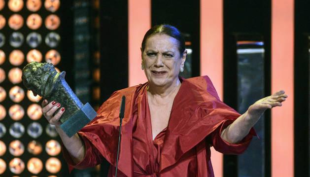 Imagen de Terele Pavez, en 2014 con su Goya a mejor actriz de reparto por su papel en 'Las brujas de Zugarramurdi'.