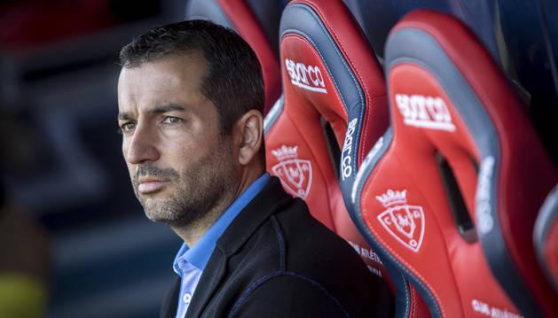 Diego Martínez, el pasado viernes en el banquillo de Osasuna.