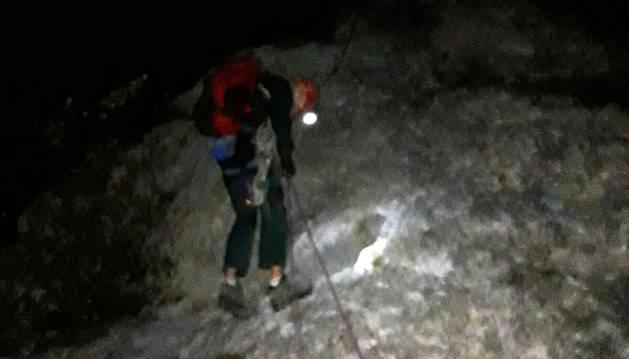 Rescatados dos montañeros en Irurtzun tras pasar varias horas colgados a gran altura
