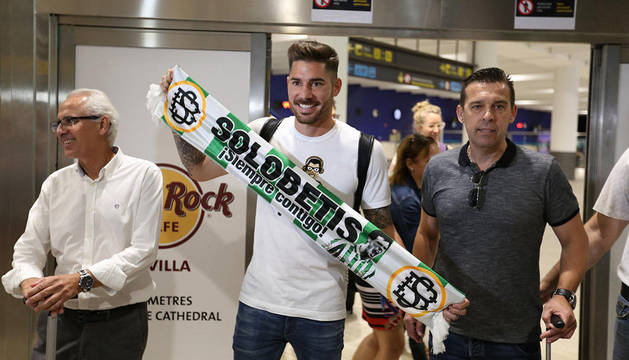 Javi García a su llegada a Sevilla