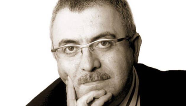 Víctor M. Fernández Díaz.