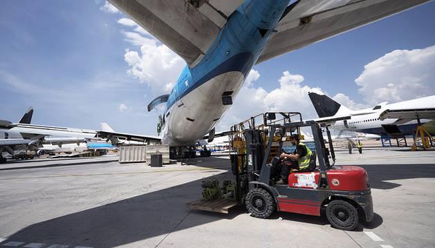El aeropuerto de Teruel, el 'parking' de aviones más grande de Europa