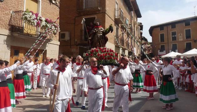 Imágenes de la procesión en fiestas de Los Arcos.