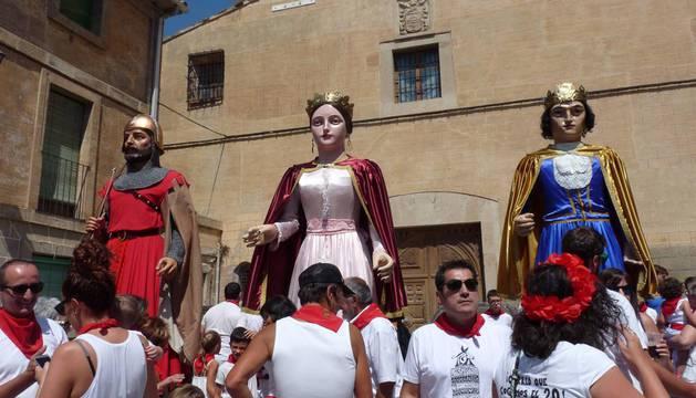 Triple chupinazo deportivo para abrir las fiestas de Los Arcos