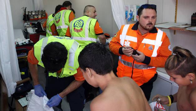 Imágenes de atenciones de Protección Civil tras el cohete de fiestas de Tudela.