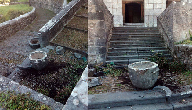 A la izquierda de la imagen, la pila y el tiesto de piedra, muy dañados. A la derecha, la pila que los autores tiraron desde el murete que corona la escalera de acceso a la iglesia.
