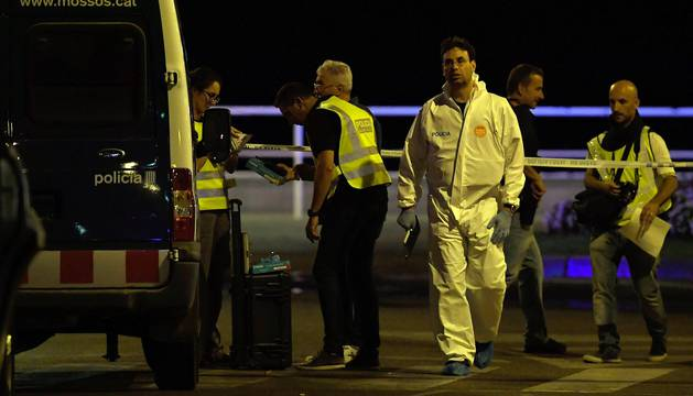 Una mujer que estaba ingresada en el hospital Joan XXIII de Cambrils ha muerto este viernes, lo que eleva a 14 el número de fallecidos en los ataques terroristas en Cataluña.