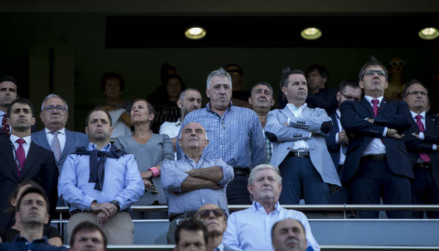 Imagen del palco presidencial del pasado partido contra el Sevilla Atlético, con el presidente Sabalza y el vicepresidente Ramírez junto a las autoridades.