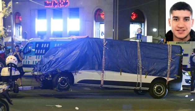 Younes Abouyaaqoub ha sido identificado como el conductor de la furgoneta que mató a 13 personas en la Rambla de Barcelona.