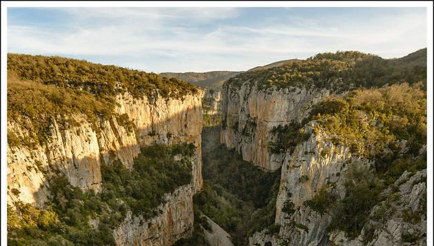 Vista de la Foz de Arbayún, labrada por el río Salazar. archivo
