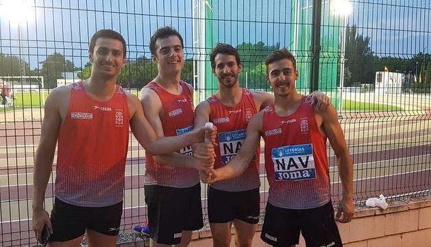 Javier Colomo, Jorge Illarramendi, Javi Sanz y Adei Montiel formaron el cuarteto que batió el récord navarro  (40.83) en el Campeonato de  Federaciones el 17 de junio en Ciudad Real. Sanz batió también el de 100 (10.55).
