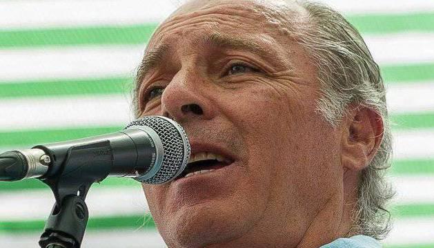 José Manuel Soto la vuelve a liar en twitter por la boda de Alberto Garzón