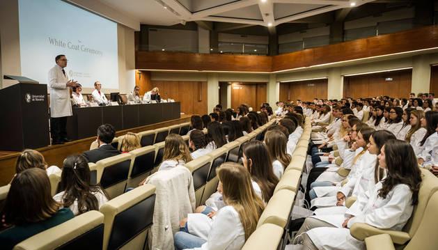 Secundino Fernández, decano, saluda a los nuevos alumnos