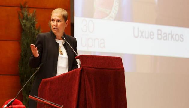 Foto de la presidenta Uxue Barkos, durante su discurso.