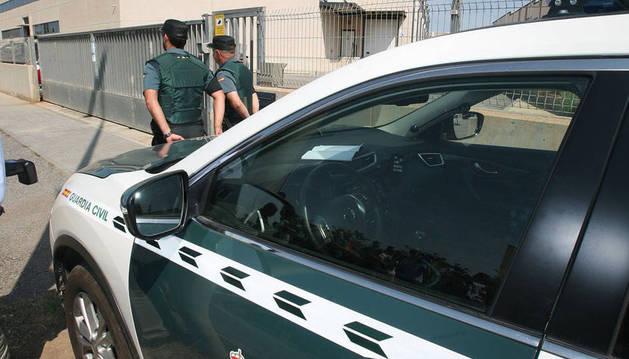 La Guardia Civil entra en una imprenta en busca del material para el 1-O