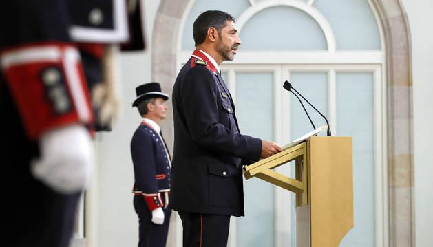 El major de los Mossos d'Esquadra, Josep Lluís Trapero, durante su discurso tras recibir la Medalla de Honor del Parlament de Cataluña.