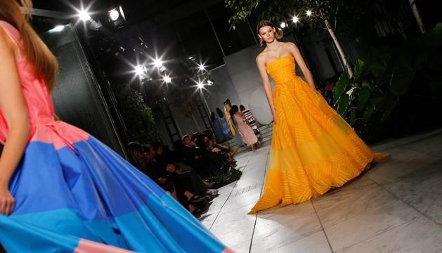 El color se apodera de la pasarela de Carolina Herrera en Nueva York