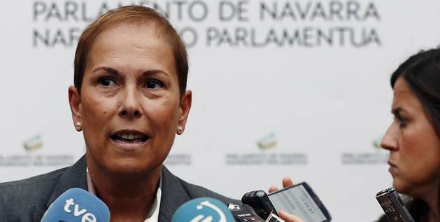 La presidenta del Gobierno de Navarra, Uxue Barkos, en declaraciones a los periodistas este jueves.