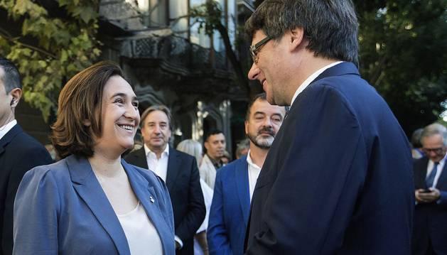 Foto de Colau y Puigdemont, en Barcelona.