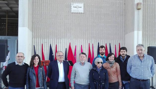 Joseba Asiron junto a los familiares y los miembros de la plataforma Sadar Bizirik