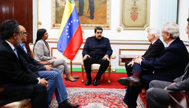 Maduro ve cerca el acuerdo con la oposición