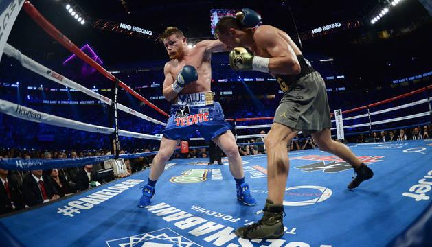 La decisión de los jueces empaña la gran pelea entre Golovkin y 'Canelo' Álvarez