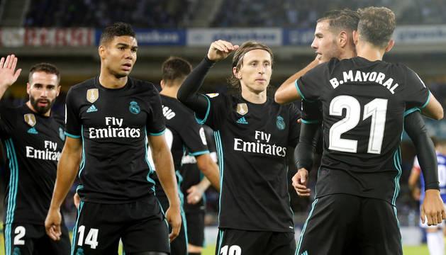 Foto de Borja Mayoral celebra su gol con sus compañeros ante la Real Sociedad durante el encuentro de la cuarta jornada de la liga Santander.
