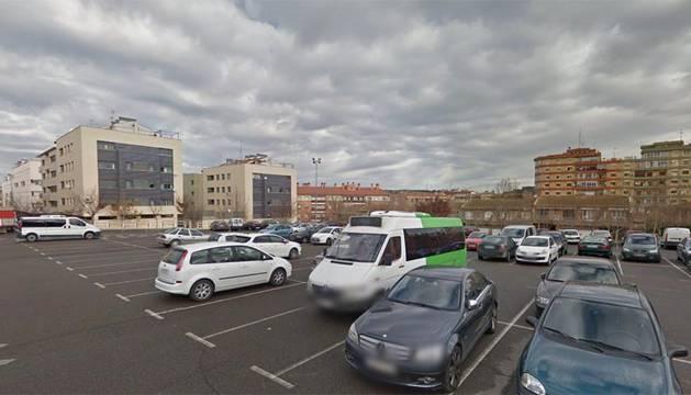 Aparcamiento de la avenida Argentina en Tudela.