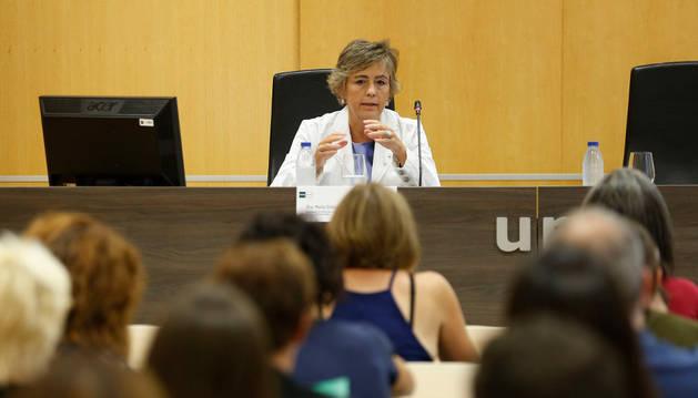 María Dolores Serrano, profesora de Derecho y Criminología, durante su ponencia en el curso de la UNED.