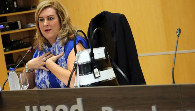 Olatz Ormaetxea durante su intervención en la jornada sobre el acoso escolar celebrado en la UNED.