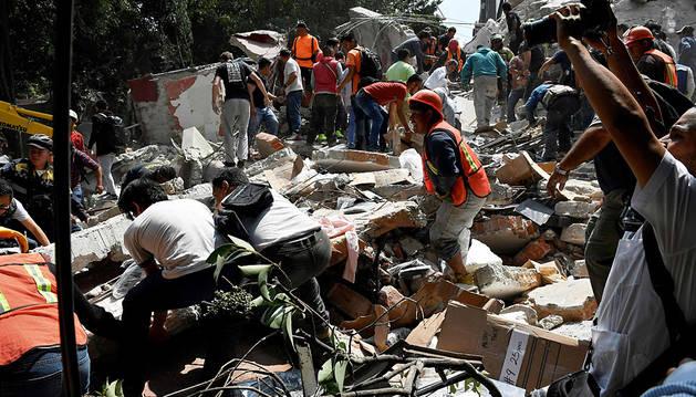 Un terremoto de 7,1 grados en la escala Richter sacude México y siembra el pánico