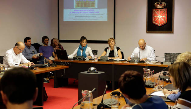 Reunión en el Parlamento de la Comisión de Educación.