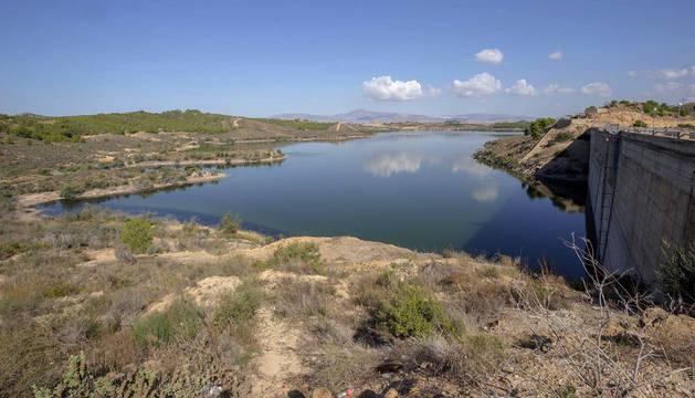 Niveles de agua en los embalses. Vista de la cola del embalse de Santomera, Murcia, que este martes se encuentra al 8% de su capacidad.