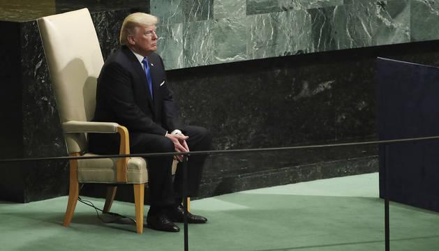 Trump, antes de comenzar su discurso ante la ONU.