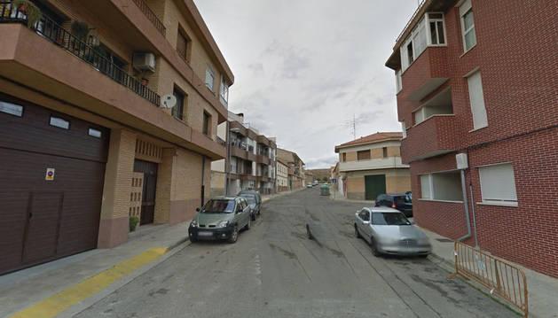 Imagen de la calle Padre Moret, donde los policías requisaron la carabina a un hombre en Tudela.